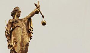 Demansionamento Dirigente 300x175 - Dirigente d'Azienda, licenziamento, preavviso e dequalificazione.